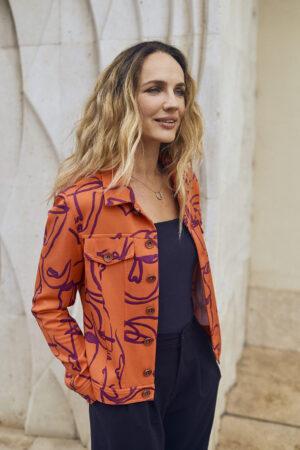 narancs kabát